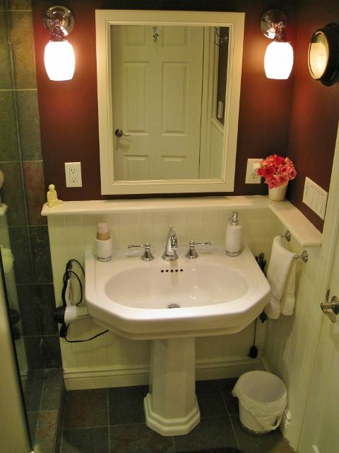 Downstairs Bathroom Pedestal Sink