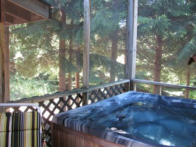 Executive Suite Hot Tub