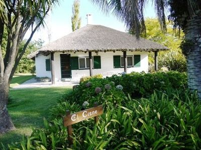 El Cisne Cottage in Beautiful Farm Setting 1/2 Mile to Beach