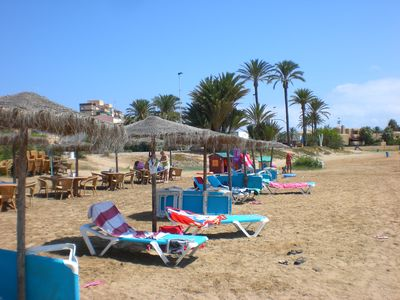 Dos mares beach and bar