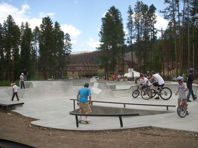 Popular Skate Park in Hideaway Park. Participants are considerate of all ages.