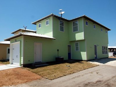 4 bedroom 2 1/2 bath home in the heart of Port Aransas!
