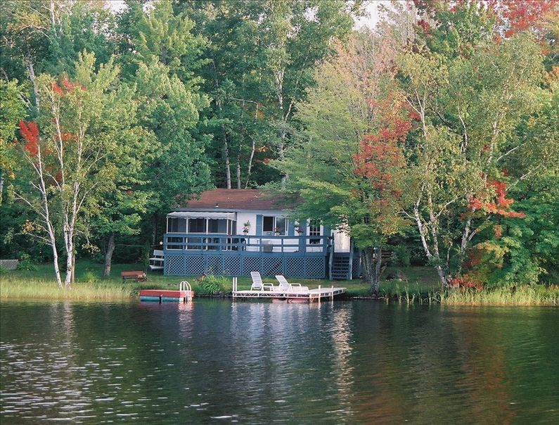 Relaxing Lakeside Cottage 30 Min South Of Vrbo