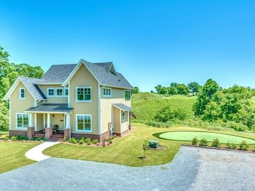 Prattville house rental - Yes, that's a putting green, with a panoramic view.