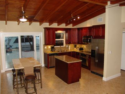 Fully Equipped Gourmet Kitchen and Dining