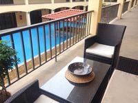 Near Beach mynewfeed Downtown, Modern Stylish 4* Apt, Fab Pool mynewfeed Jacuzzi, WiFi, HD, AC