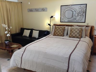 San Rafael studio rental - Queen size bed & double sofa bed