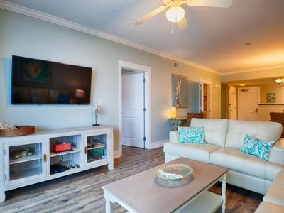 Waterscape A317 ~ 2BR + Bunkroom ~ Remodeled in 2017 ~ Beach Service!
