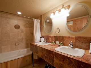 Deer Valley condo photo - Private bathroom for first bedroom.