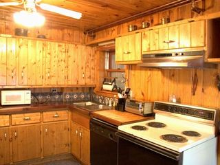 Colorado Springs lodge photo - Kitchen in the Colorado Cabin, at Pikes Peak