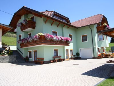 "Very beautifull 5 pers.apartment in the ""pearl"" of Carinthia. with swimmingpool!"