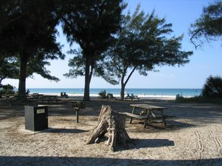 Bradenton condo photo - Only 2 miles to Anna Maria Island Beaches!