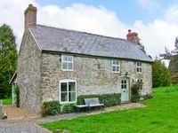HILLGATE HOUSE, pet friendly, with a garden in Hemford, Ref 1661