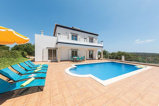 Countryside villa w/ incredible views, terrace, BBQ + private pool