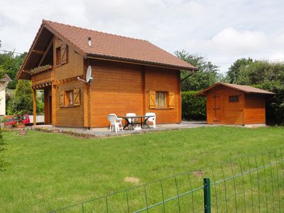 Detached chalet completely enclosed at the foot of the forest in a quiet hamlet