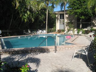 Sanibel Island condo photo - Very nice heated pool