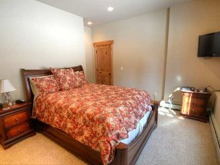 Estes Park house photo - Lower Level Queen Bedroom with twin bed