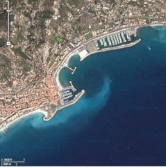 Menton villa photo - Map with green arrow for villa
