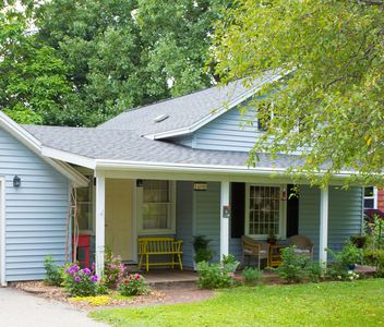 Charming Cottage: Close To Everything La Crosse Has To Offer, Great Bluff View
