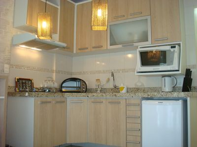 FLATS 1 single room, 1 min square with AR Split, Wi-Fi, cable TV, furnished