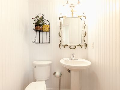 Sanibel Island house rental - Main Level Powder Room