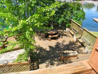Spokane chalet rental - Lower deck - Shade in the afternoon.