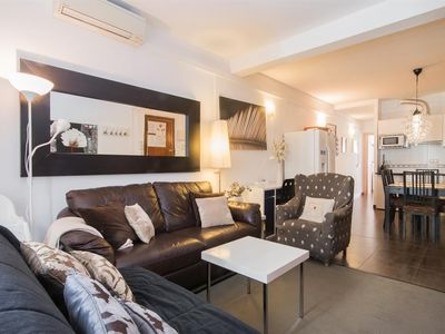 Apartment 1.5 km from the center of Barcelona with Internet, Air conditioning, Parking, Washing machine (414321)
