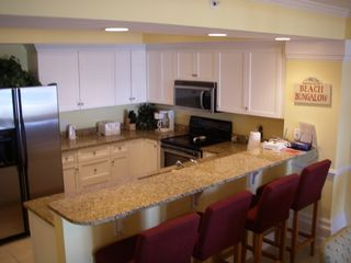 Isle of Palms condo photo - Fully Equipped Modern Kitchen