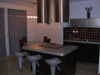 Aix-En-Provence apartment photo - Dining room- Open Kitchen and table (6 persons)