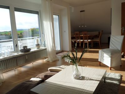 The top floor apartment near FfM provides enough space for up to 6 people