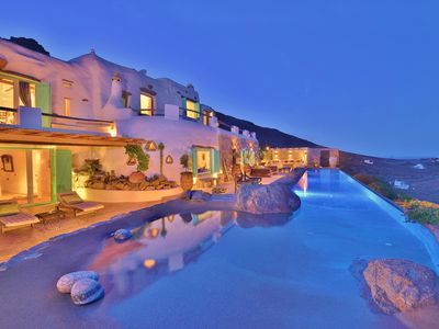 Amazing Views Private villa in Mykonos with spectacular 20m long  infinity pool