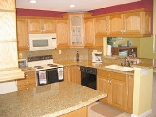 Deerfield Beach townhome photo - Fully Equipped Kitchen, granite counters