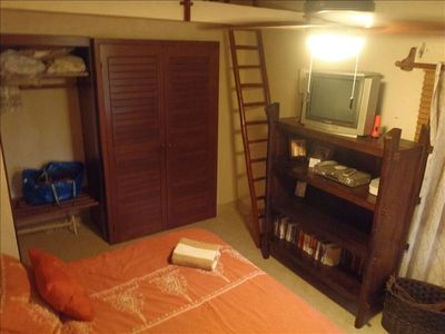 7102-2nd bedroom with ladder to loft