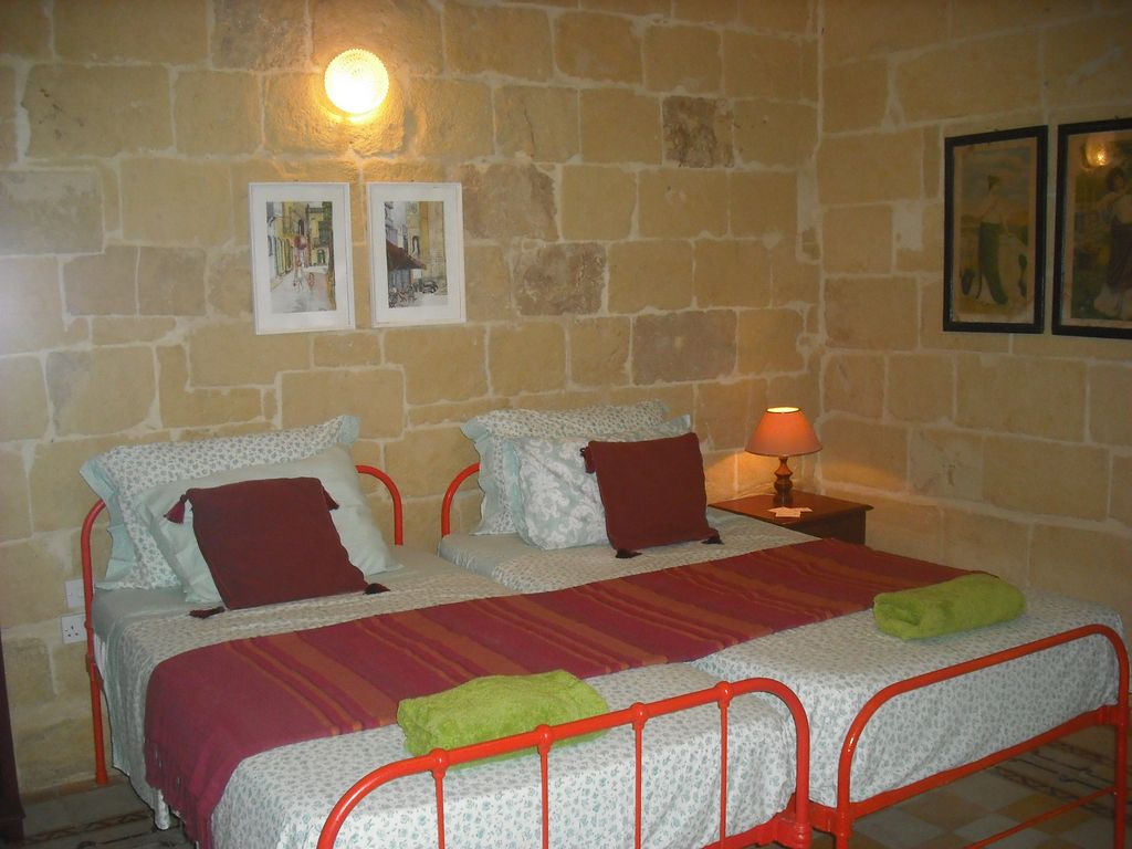 Peaceful Bedroom Maria Townhouse Heart Of Old Quarter Of Victoria Gozo Mahogany