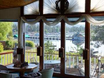 Metcalf Bay house rental - Amazing lakefront view, right from the great room