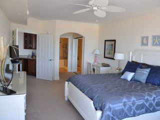 Belmont Towers Ocean City condo photo - Master bedroom