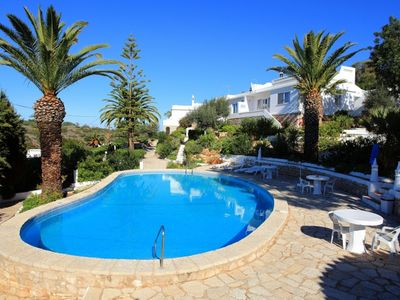 One bedroom villa on Quinta da Saudade and agent for all two and three bedrooms