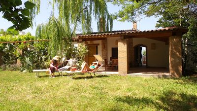 Campomarino (CB) Villa immersed in the green Molise countryside 6 km from the sea.