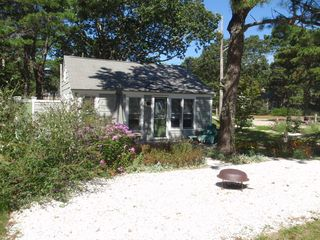 West Yarmouth cottage photo
