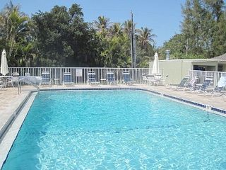Sanibel Island condo photo - Heated Pool