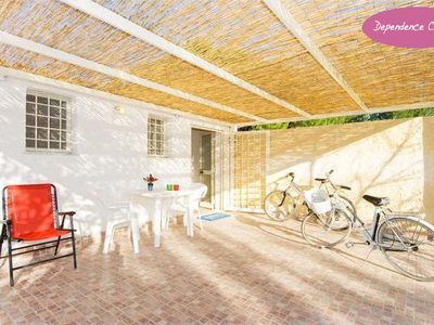 'Dependence Chiara' 250 meters from the beach Arenella, for 2 adults + 2 childre