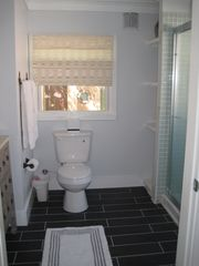 Ocean Springs cottage photo - Lagniappe bathroom.