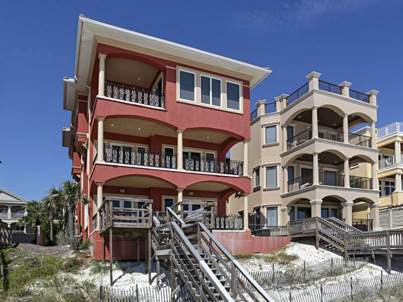 Luxurious gulf front destin home private vrbo for 9 bedroom house destin florida