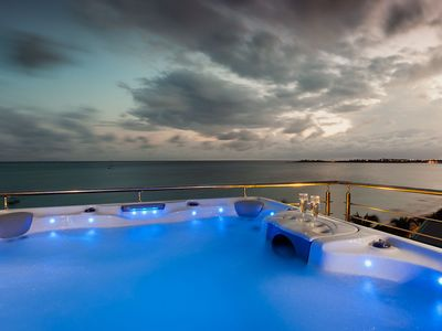 Private jacuzzi on the roof top