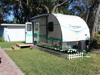 The Tin PeliCan: A Funky And Fun Tarpon Springs 19' Travel Trailer