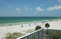 Luxury Waterfront Condo-White Sand Beach-Awesome Sunsets