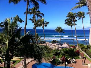 Honokowai condo rental - Great view of the surf right from your own private lanai.