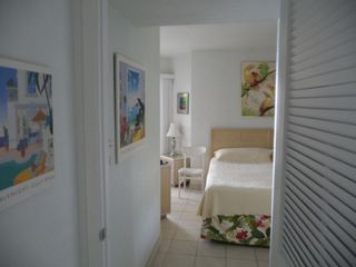Grand Cayman condo photo