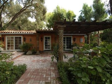 Ojai cottage rental - Front Entry