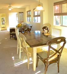 La Jolla condo photo - Dining table sits 6 adults comfortably, with seating for 3 at the bar.